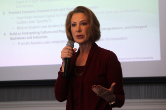 Carly Fiorina discusses NH's economic challenges at the Manchester Country Club.